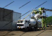 Ready mix concrete plant with pan mixer